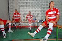 FC Bayern München Mannschafts Foto. Franck Ribery, Daniel van Buyten und Lucio