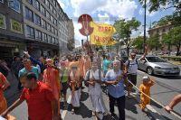 Feature Muenchen Muenchnr Merkur - Spititueller Wagenumzug - Hare-Krishna-Bewegung - Sonnenstrasse