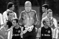 Offizielles Manschaftsfoto FC Bayern Muenchen - Oliver Khan 2004