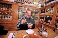 Steffen Hamann im Le pain quotidienne - AZ Reportage - Fotoagentur Sofianos Wagner