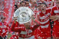 Franck Ribéry mit Meisterschale ALLIANZ ARENA 2008