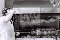 PORTRAIT SW ANALOG  GREECE 1986 TAVERN- Fotoagentur Sofianos Wagner Muenchen